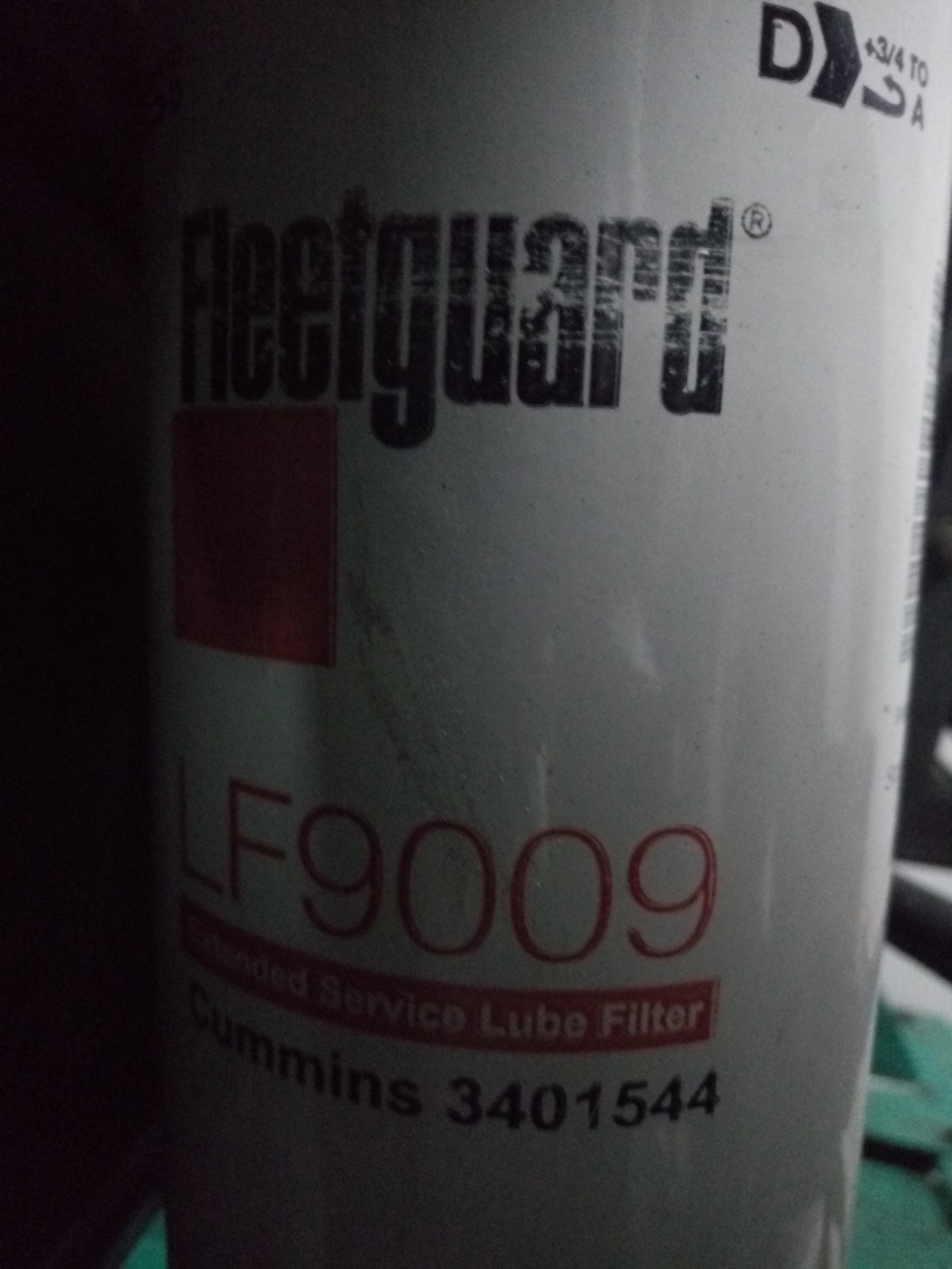 Фильтр масляный Fleetguard Lf9009